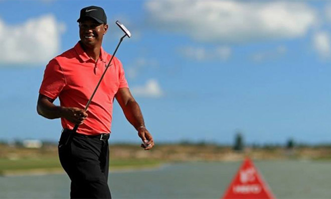 Golf 24/7: Mỹ nhân trổ biệt tài khó tin, fan lác mắt 2