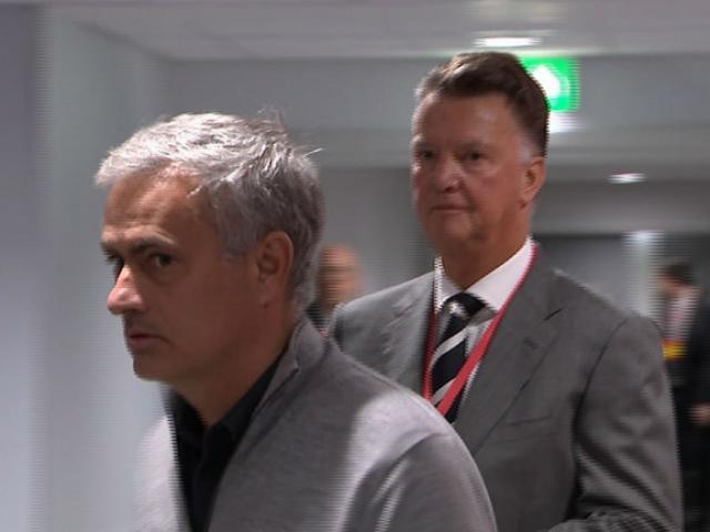 Đua vô địch với Man City, MU lạc lối vì Mourinho nhìn người sai lầm? 5
