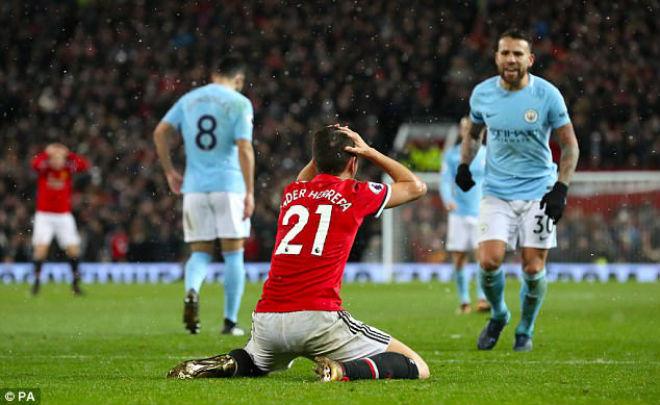 """MU hậu derby Manchester: SAO kêu oan, nguy cơ """"tan nát"""" tuyến giữa 1"""