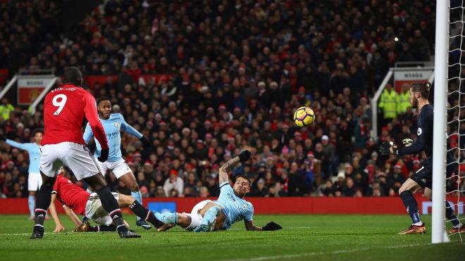 Đua vô địch với Man City, MU lạc lối vì Mourinho nhìn người sai lầm? 1