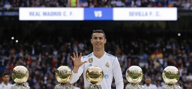 """Chân sút hay nhất châu Âu: Ronaldo 5 Bóng vàng """"mất hút"""", Messi quá đỉnh 1"""