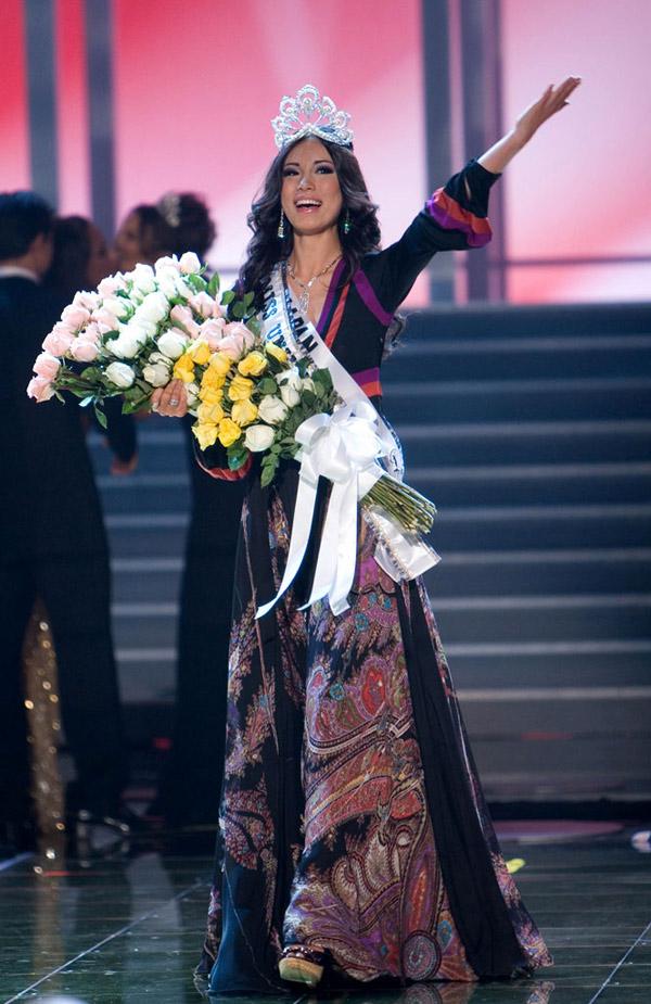 Vẻ đẹp của Hoa hậu Hoàn vũ Riyo Mori 10 năm sau đăng quang