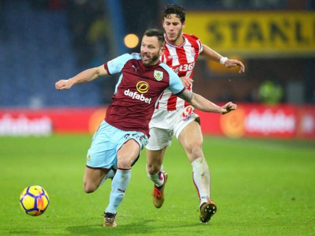 Huddersfield - Chelsea: Thảm họa hàng thủ, mãn nhãn 4 bàn 2