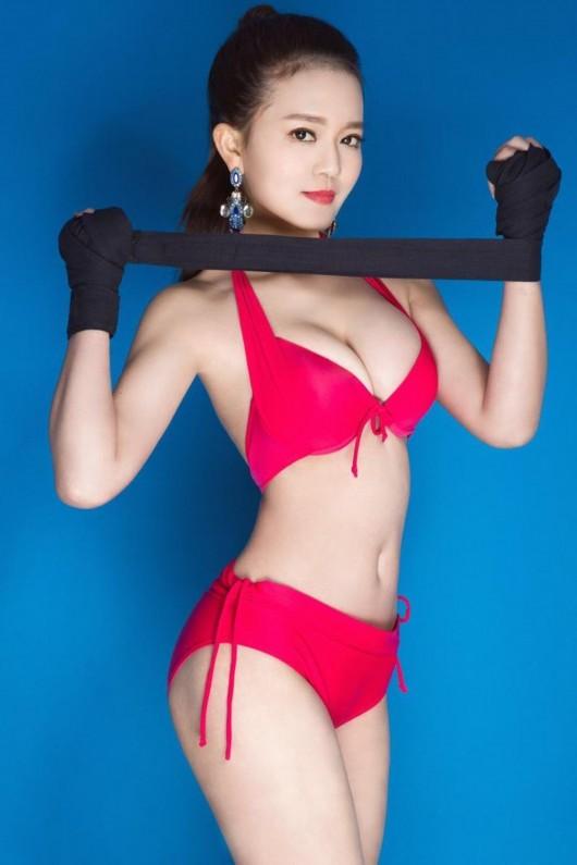MC thể thao hot nhất Trung Quốc nóng bỏng nhờ... uống nước lọc - 3