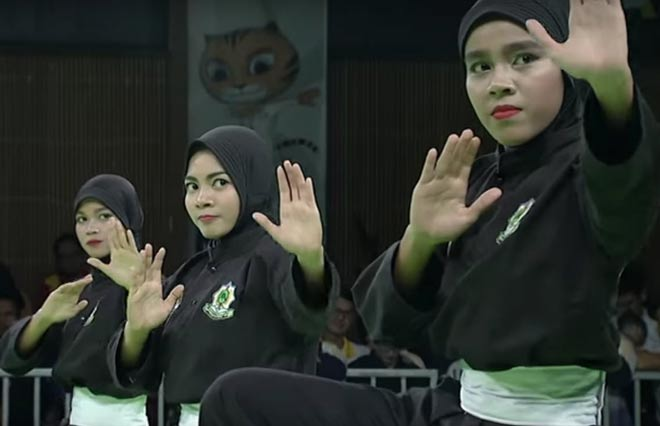 """HCV """"trên trời rơi xuống"""": 3 hot girl võ Việt Nam """"gieo sầu"""" Singapore 2"""