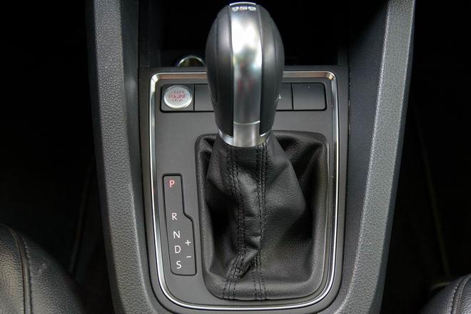 Kiểm chứng Volkswagen Jetta, xe Đức dưới 1 tỷ đồng - 4