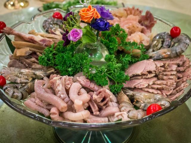 """""""Sốc"""" với nhà hàng chuyên phục vụ món ăn làm từ của quý động vật"""