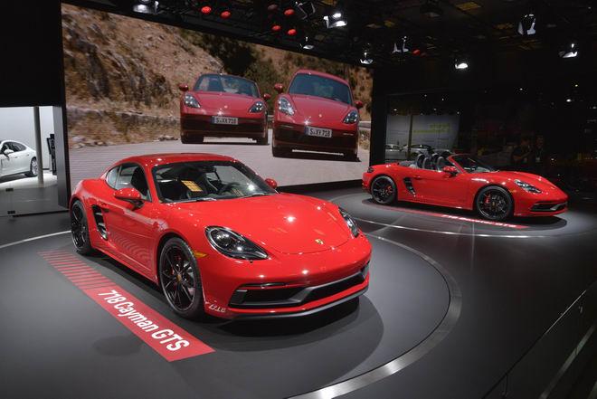 Porsche 718 GTS 2018 có giá từ 1,81 tỷ đồng - 2
