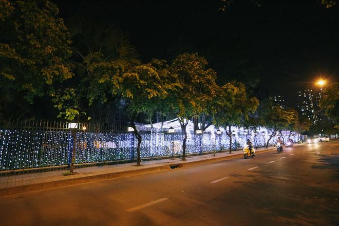 """Giáng sinh ở Sài Gòn: """"Lạc lối"""" ở 2 khu phố nhà giàu - 2"""