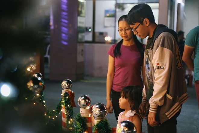 """Giáng sinh ở Sài Gòn: """"Lạc lối"""" ở 2 khu phố nhà giàu - 7"""