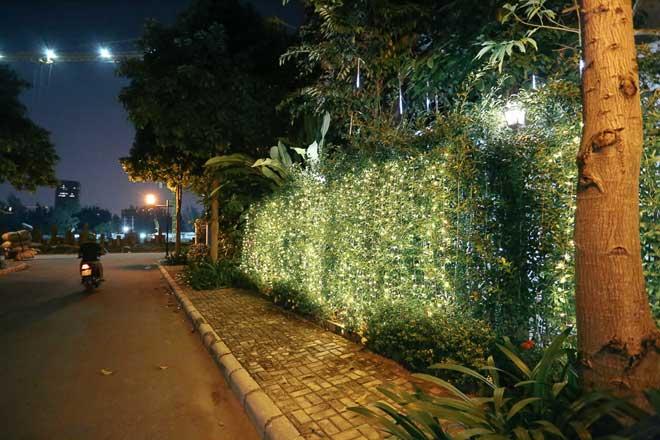 """Giáng sinh ở Sài Gòn: """"Lạc lối"""" ở 2 khu phố nhà giàu - 11"""