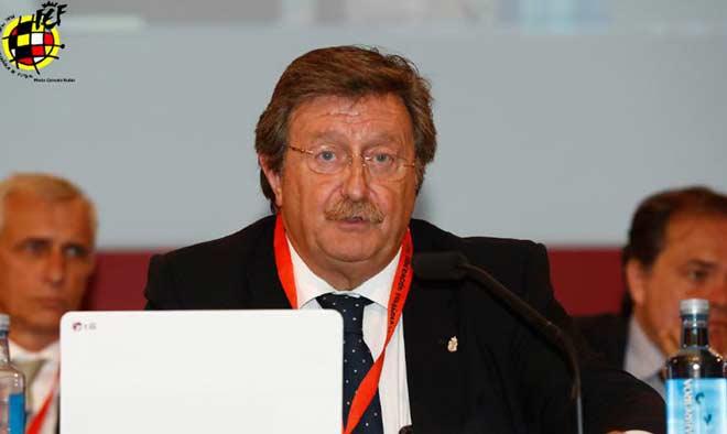 FIFA dọa đuổi Tây Ban Nha khỏi World Cup mời Italia: Bão tố nổi lên - 1
