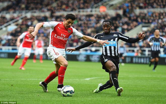 """Arsenal – Newcastle: """"Nòng súng"""" giương cao, bắn hạ """"Chích chòe"""" 1"""
