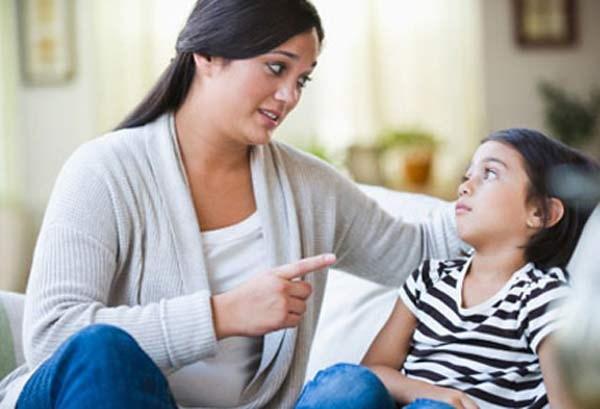Những câu nói cửa miệng của cha mẹ khiến con bị trầm cảm - 3