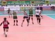 Thể thao - Bóng chuyền nữ Việt: Thanh Thúy - Ngọc Hoa đánh gục Linh Chi và dàn chân dài