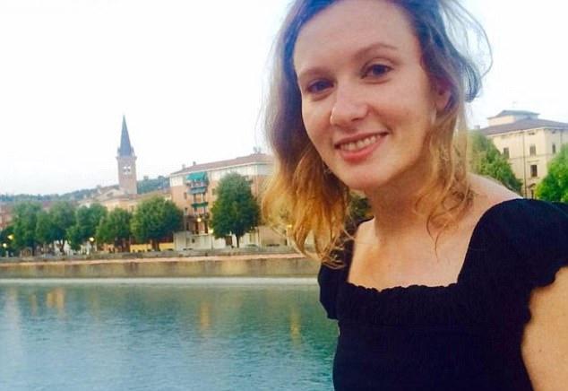 Nữ cán bộ ngoại giao Anh bị cưỡng bức, vứt xác bên lề đường