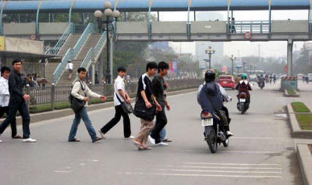 Trường hợp nào người đi bộ sai luật sẽ bị phạt tù?