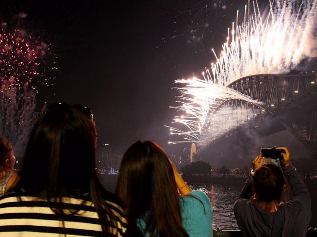 """10 đại tiệc đón năm mới 2018 """"nóng rẫy"""" trên khắp hành tinh - 3"""