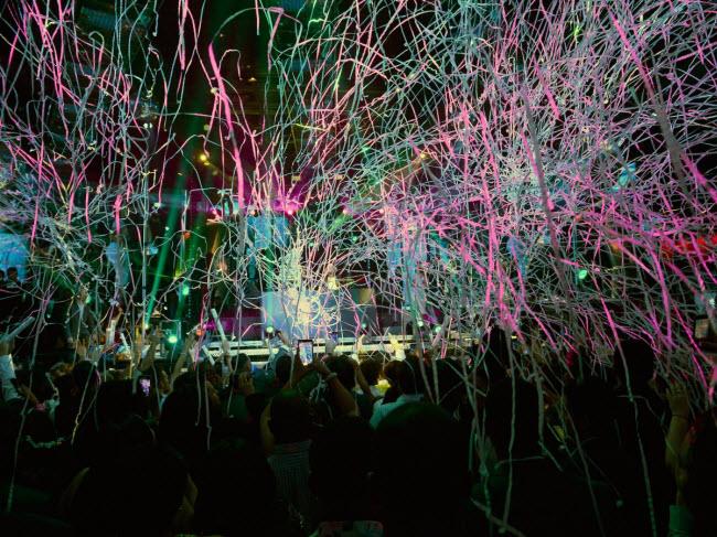 """10 đại tiệc đón năm mới 2018 """"nóng rẫy"""" trên khắp hành tinh - 6"""