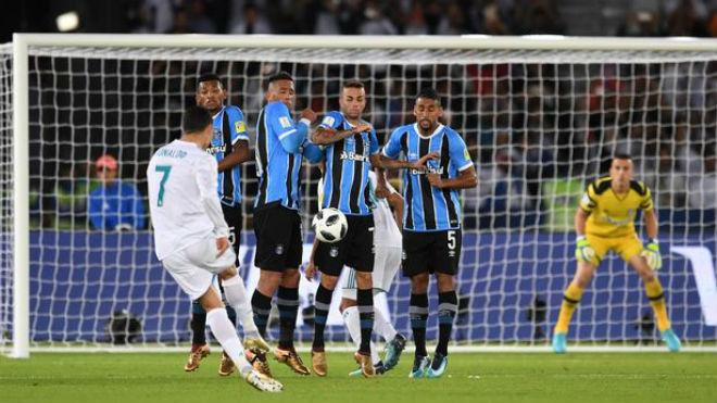 """Kinh điển Real - Barca rực lửa: """"Vĩ nhân"""" Messi & điệp vụ báo thù Ronaldo, đòi Bóng vàng"""