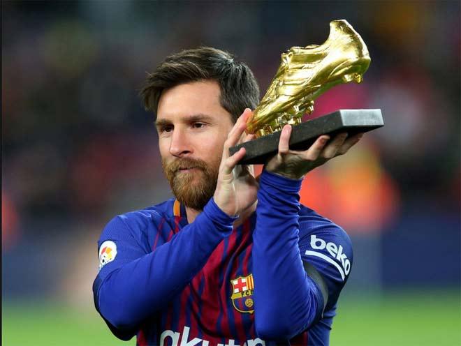 """Ngày khoe Giày vàng, Messi siêu """"chân gỗ"""", hỏng cả 11m"""