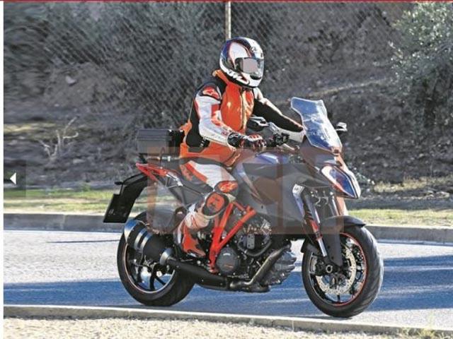 """MV Agusta Brutale 800 RR Pirelli: """"Đứa con tinh thần"""" của MV Agusta và Pirelli - 3"""