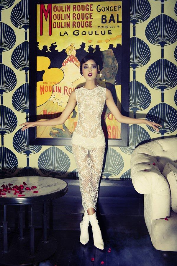 """Bộ đôi mẫu Việt """"thả rông"""" tạo dáng như tượng sáp, - 4"""