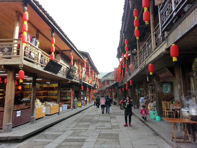 """Du khách đổ xô xem lễ tế lợn có """"một không hai"""" ở Trung Quốc - 3"""