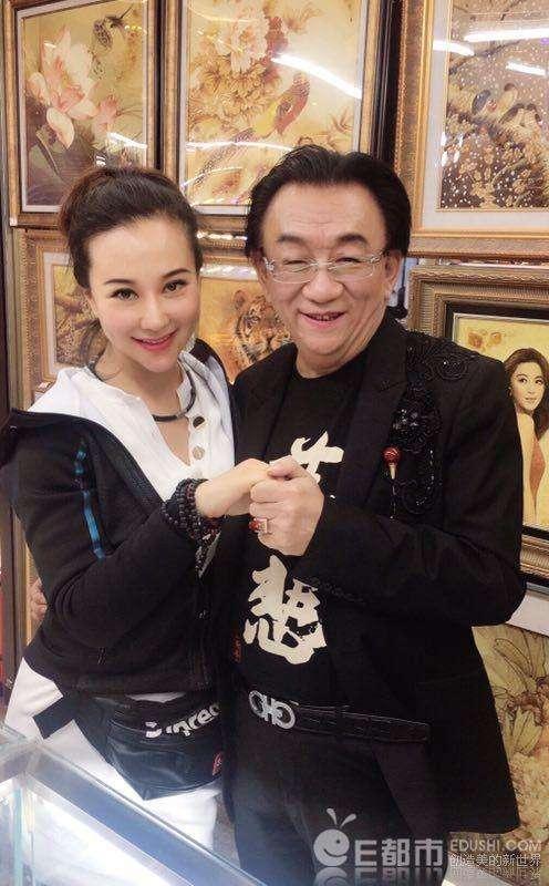 Diễn viên nóng bỏng gốc Việt bẽ mặt khi bị bóc phốt vì