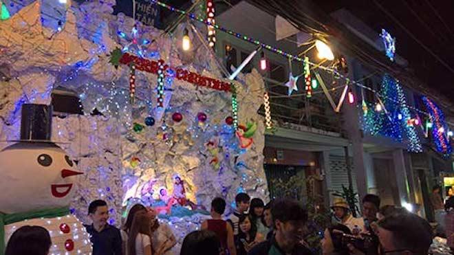 """Dẫn """"gấu"""" đi chơi Noel tại 8 địa điểm lãng mạn nhất Sài Gòn - 1"""