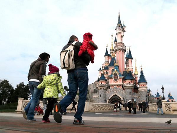 6 lệnh cấm kỳ lạ có thể khiến bạn bị đuổi ra khỏi công viên Disney - 4