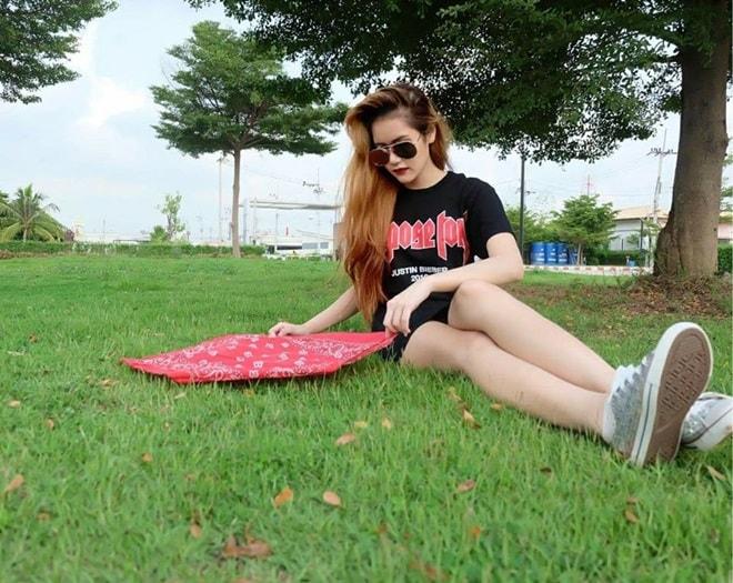 Vẻ đẹp thiên thần động lòng người của mẫu Thái Lan 19 tuổi vừa tự tử - 9