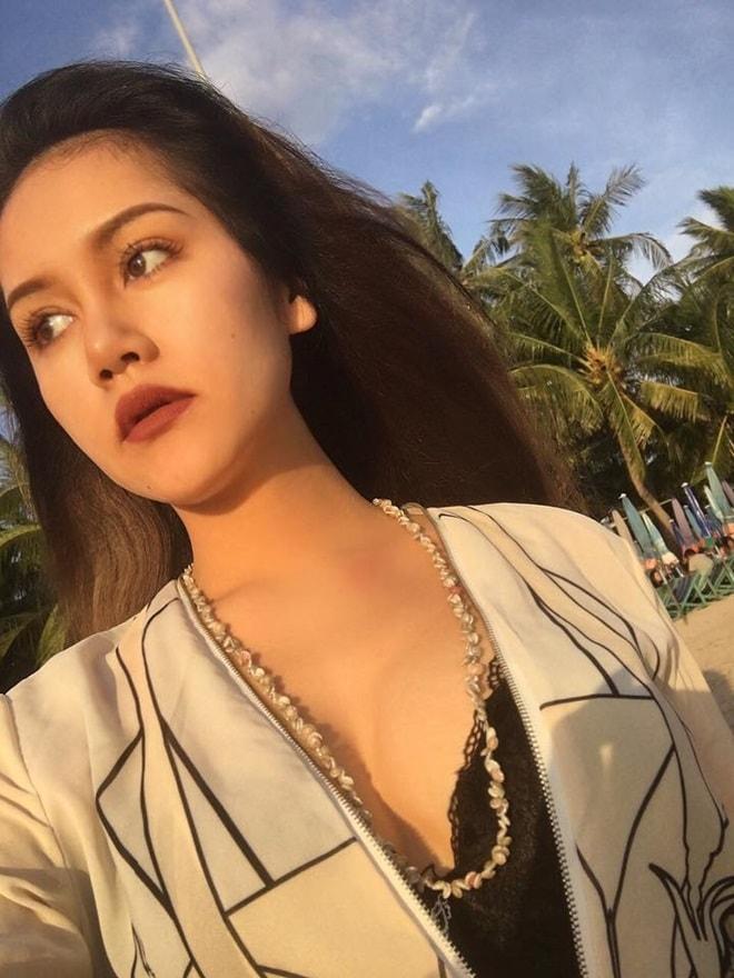 Vẻ đẹp thiên thần động lòng người của mẫu Thái Lan 19 tuổi vừa tự tử - 11