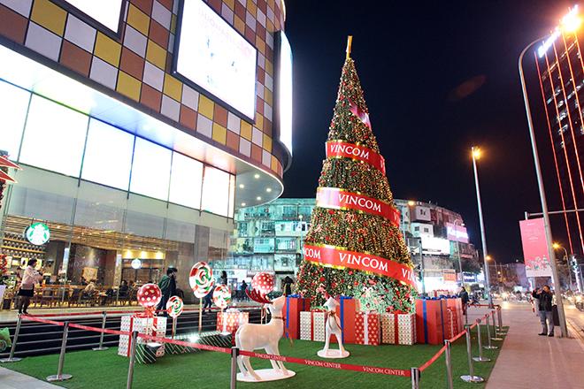 Những địa điểm chơi Noel đẹp ngỡ trời Âu giữa lòng Hà Nội - 4