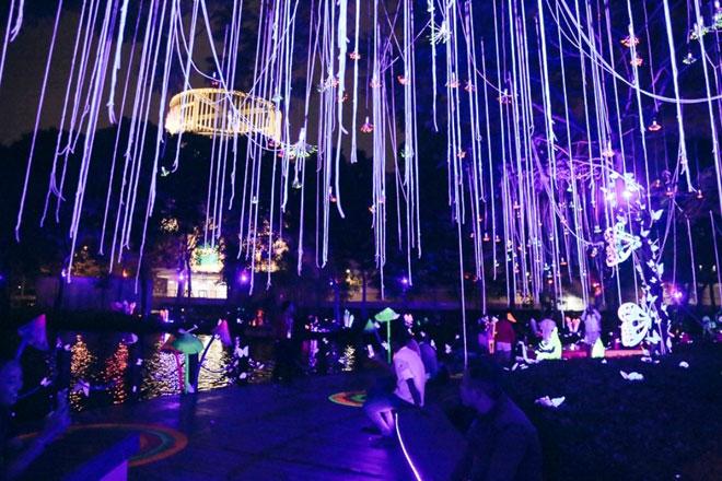 """""""Lạc lối"""" trong vườn ánh sáng độc nhất ở Sài Gòn dịp Giáng sinh - 11"""