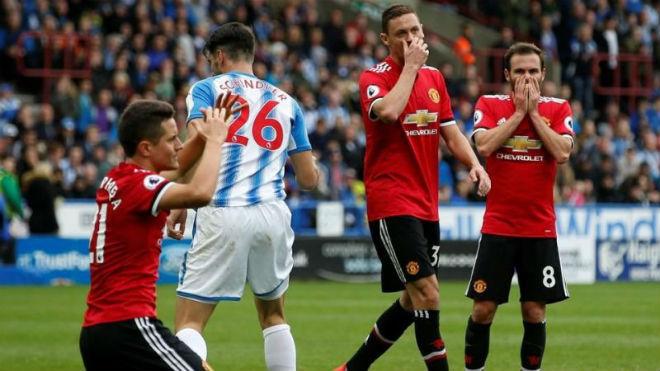 """MU điêu đứng: Mourinho """"quên"""" cách bắt nạt đội bóng nhỏ 2"""
