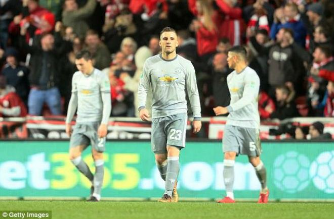 """MU điêu đứng: Mourinho """"quên"""" cách bắt nạt đội bóng nhỏ 4"""