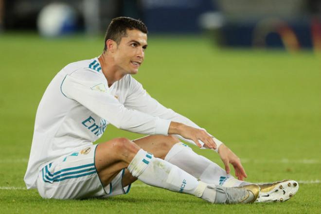 """Ronaldo chấn thương trước Siêu kinh điển, Real """"lạnh gáy"""""""