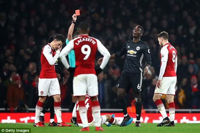MU, Pogba lại đạp người: Thoát thẻ đỏ nhưng nguy cơ treo giò 5 trận 3