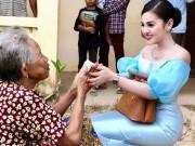 Đời sống Showbiz - Mỹ nữ ngực khủng Campuchia đi từ thiện mặc như dự tiệc