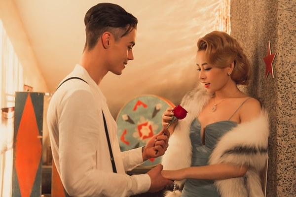 """Bí mật phục trang tiển tỷ trong MV """"chịu chơi"""" nhất của Chi Pu - 5"""