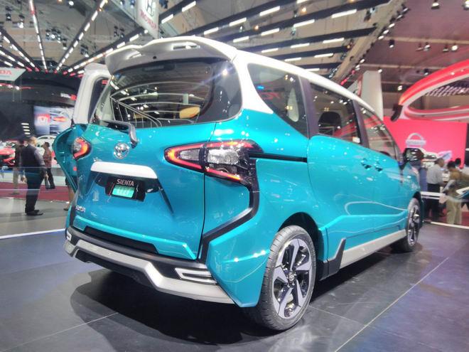 Toyota Sienta Ezzy: Từ xe gia đình thành xe thể thao - 3