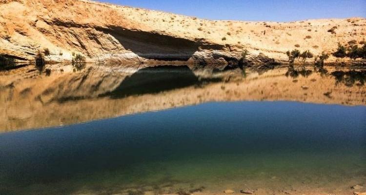 Hồ bí ẩn xuất hiện giữa sa mạc chỉ sau một đêm