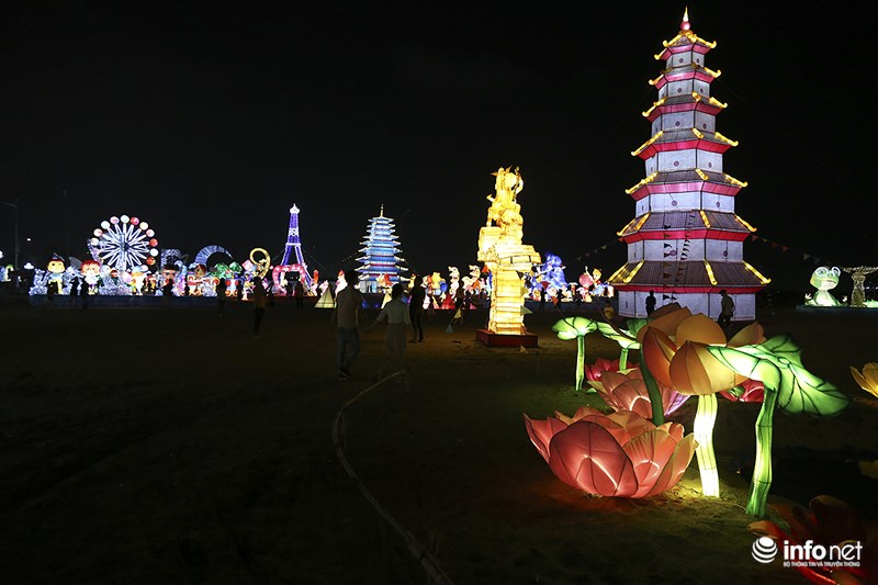Lung linh sắc màu tại lễ hội đèn lồng lớn nhất TP.HCM - 4