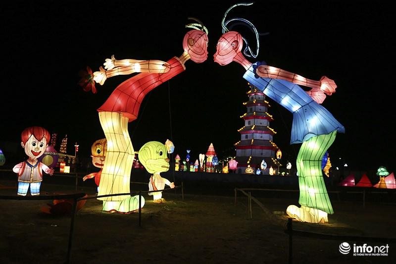 Lung linh sắc màu tại lễ hội đèn lồng lớn nhất TP.HCM - 9