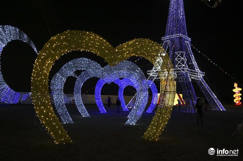 Lung linh sắc màu tại lễ hội đèn lồng lớn nhất TP.HCM - 13