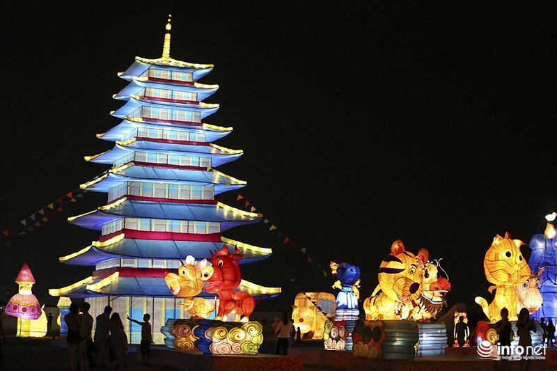 Lung linh sắc màu tại lễ hội đèn lồng lớn nhất TP.HCM - 2