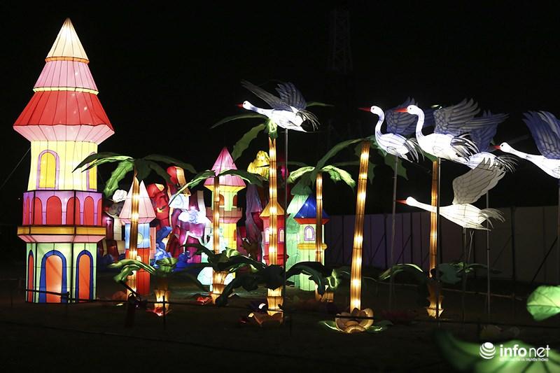 Lung linh sắc màu tại lễ hội đèn lồng lớn nhất TP.HCM - 3
