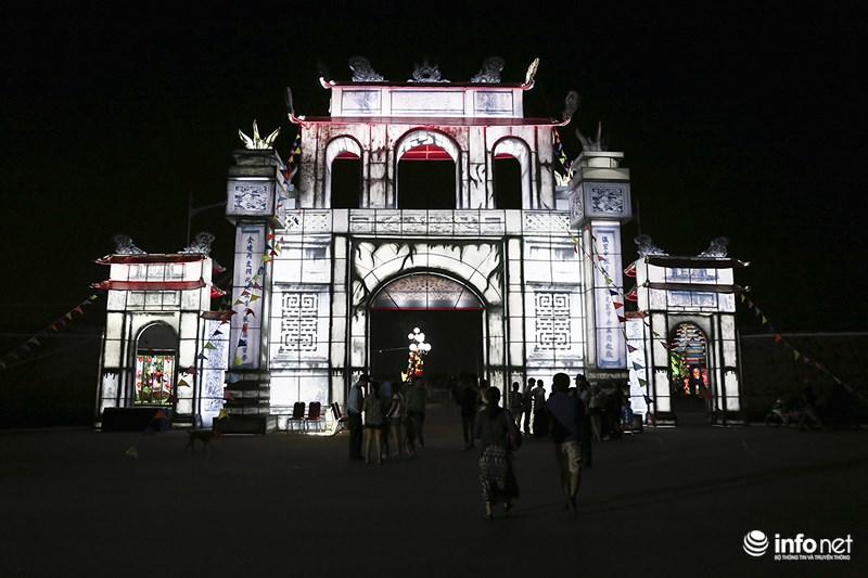 Lung linh sắc màu tại lễ hội đèn lồng lớn nhất TP.HCM - 1