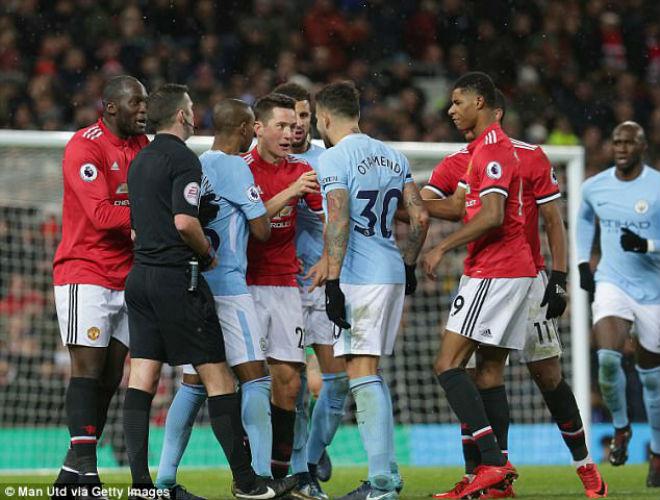 """Họp báo MU - Leicester City: Mourinho tha thứ """"tội đồ"""" 3"""